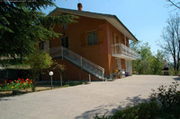 Italian Villa for sale - Country villa style property in rural location with two self contained living areas.