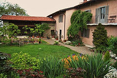 Italian holiday vacation apartment rental business for sale in Piedmont Italy - The property is a traditional L shape