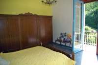 Country Villa for sale in Piemonte. - Bedroom with its own balcony