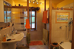 Holiday Rental Apartments business for sale in Piemonte Italy - Owner's bathroom
