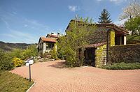 Renommiertes Landhaus zum Verkauf im Piemont Italien. - Driveway area