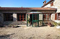 Renommiertes Landhaus zum Verkauf im Piemont Italien. - Entrance to the property from the courtyard