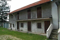 Part restored farmhouse for sale - Rustic Italian farmhouse with panoramic views, that requires finishing only.