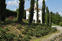Luxuriöse Liegenschaft zum Verkauf im Piemont, Italien - The property is set within well kept grounds