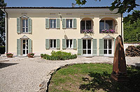 Luxury Country House for sale in Piemonte - Front view of the property