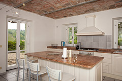 Bella cascina in vendita in Piemonte - High quality kitchen