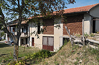 Cascinale indipendente in vendita in Piemonte - View of the property and hayloft