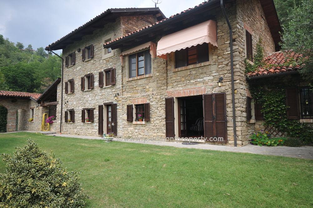 Prestigiosa casa di campagna in vendita in piemonte - Casali di campagna ...