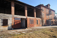 Italian farmhouse renovation project for sale in the Asti area - front of the property