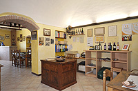 Italian Bed and Breakfast for sale, Alba, Piemonte Italy - Reception area