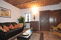 Holiday Rental - Restored Farmhouse 3km from Alba for self catering holidays - Casa Luisa - Lounge