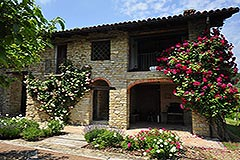 Luxury Property for sale in the Langhe Piemonte - Independent guest area