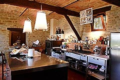Luxury Property for sale in the Langhe Piemonte - Professional kitchen