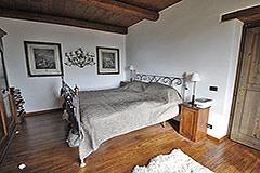 Luxusimmobilie zum Verkauf in der Langhe, Piemont - Bedroom
