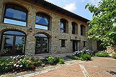 Luxusimmobilie zum Verkauf in der Langhe, Piemont - Front view