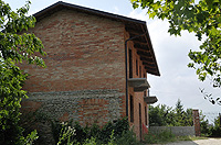Italian Rustic House for sale in Piemonte - Side view of the property
