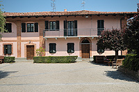 Luxury Home for sale in Italy - Front view of the property