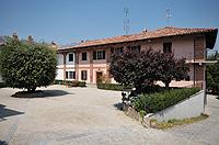 Luxuriöses Haus zum Verkauf im Piemont, Italien - Entrance to the property