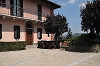 Luxuriöses Haus zum Verkauf im Piemont, Italien - Courtyard