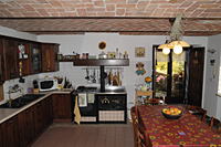 Two luxury restored stone houses for sale in the Piemonte wine region - Kitchen in the main house