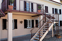 Vacation Rental in Piemonte Italy - Independent entrance to the first floor