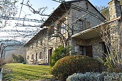 Cascina in vendita in Piemonte - Front view of property