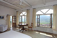 Cascina in vendita in Piemonte - Master bedroom leading onto the rooftop terrace
