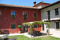 Luxury Country House for sale in Piemonte - L shape property