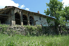Rustico in the Langhe - Rustic Piemontese farmhouse with hayloft situated in a tranquil countryside position in the Langhe
