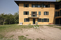 Piemontese farmhouse for sale with Barbera,Moscato and Dolcetto vineyards. - L-shaped property