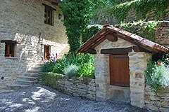 Restored Country Home for sale in Piemonte. - View of the stone well