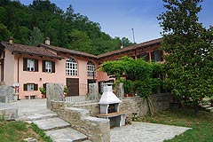 Prestigious Country Home for sale in Piemonte - The property is a traditional L shape