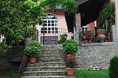 Renommiertes Landhaus zum Verkauf im Piemont Italien. - Entrance