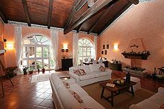 Renommiertes Landhaus zum Verkauf im Piemont Italien. - Living area