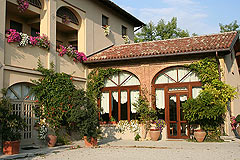 Successful and established business for sale in Piemonte, Italy. - Front view of the property