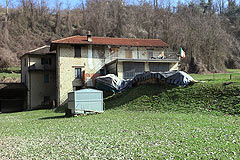 Country House - Spacious Langhe Stone farmhouse offering ready to move into accommodation.