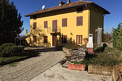 Country Home for sale in the Piedmont region of Italy - PRICE REDUCTION -  charming restored farmhouse set in the heart of the vineyards, close to village facilities.