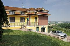 Ricerca immobili in piemonte piedmont property - Piscina nizza monferrato ...