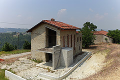 Rustico in vendita in Piemonte - Side view of the property