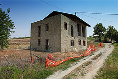 Rustico in vendita in Piemonte - Part Restored Country House for sale in The Langhe hills