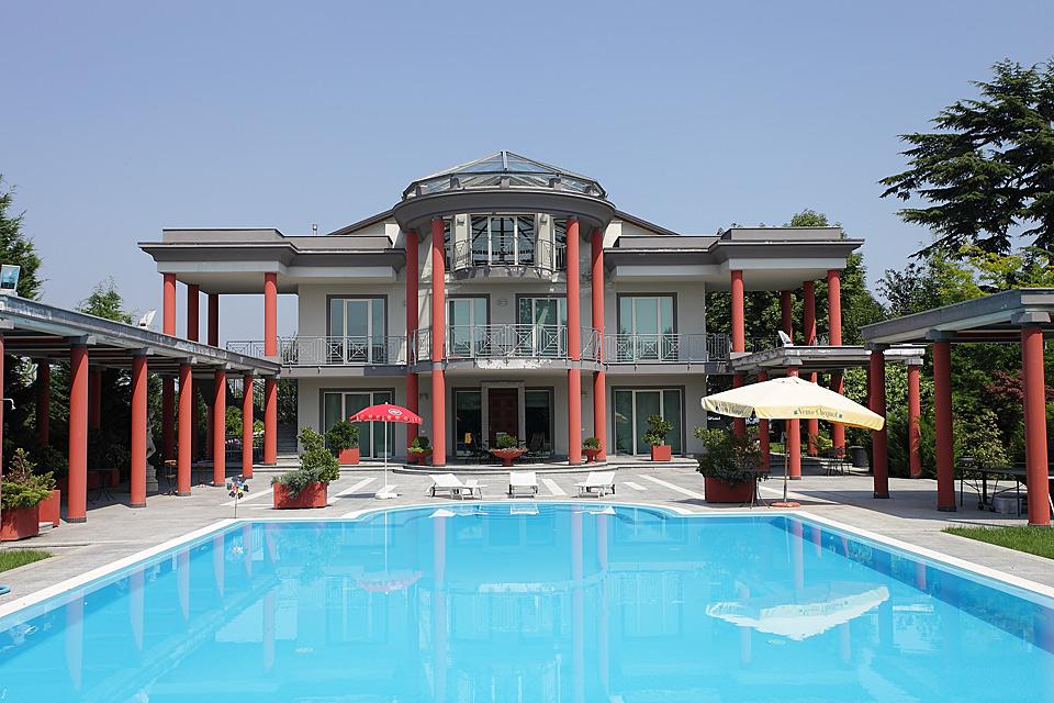 italienische luxusvilla zum verkauf im piemont piemonte asti region 6702 piedmont property. Black Bedroom Furniture Sets. Home Design Ideas