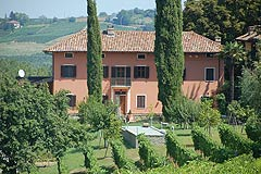 Luxury Country Home for sale with vineyard - REDUCED BY MORE THAN EURO 100,000  EXCELLENT INVESTMENT OPPORTUNITY - Luxury country home finished to the highest standards with commanding views over the vineyards and walking distance to town. SOLD