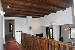 Country House for sale in the Langhe region (Piemonte) - Exposed wood ceiling