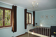 Country House for sale in the Langhe region (Piemonte) - Bedroom