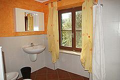 Landhaus zum Verkauf in der Region Langhe (Piemont). - Bathroom