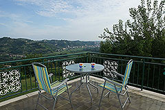 Landhaus zum Verkauf in der Region Langhe (Piemont). - Terrace