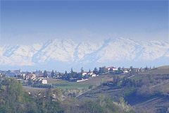 Country House for sale in the Langhe region (Piemonte) - Mountain views from the property