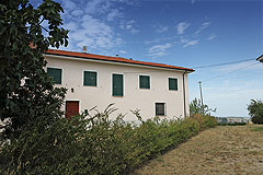 Country House for sale in the Langhe region (Piemonte) - View of the property