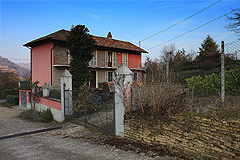 Casale in vendita in nelle Langhe Piemonte - The property is set in a quiet position