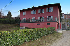 Country House for sale in the Belbo wine valley - Back view of the property